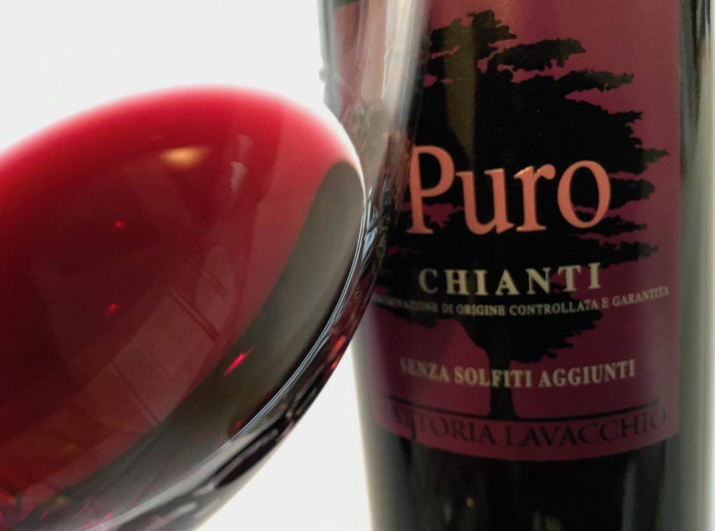 PURO ottenuto da 100% Sangiovese, il primo Chianti D.O.C.G. prodotto senza l'aggiunta di solfiti.
