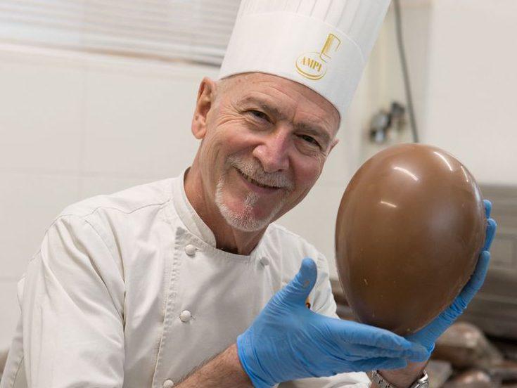 Enzo Santoro e Uovo di Pasqua-