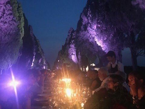 Cena lungo il Viale dei Cipressi